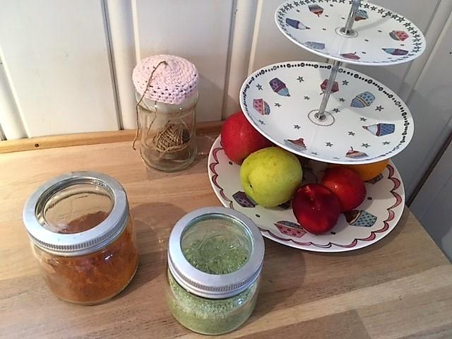 Slik lager du urtesalt - Oppbevares på norgesglass
